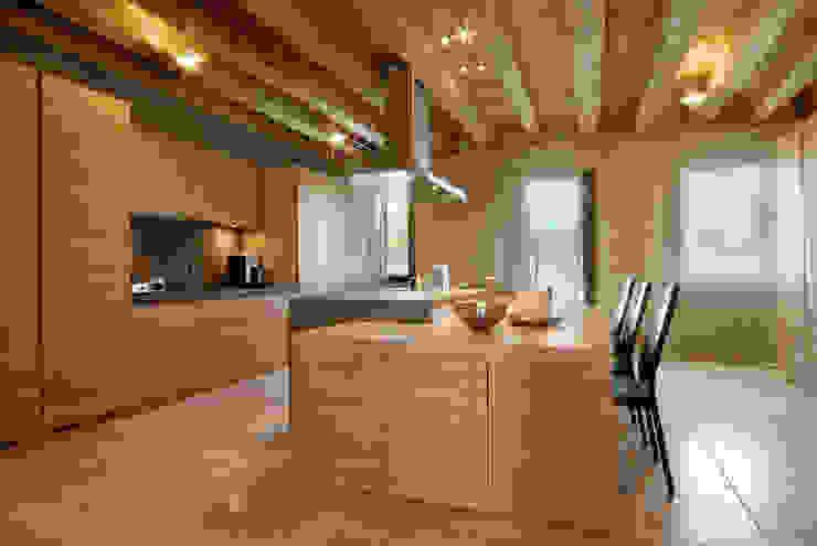 Dapur Modern Oleh STUDIO CERON & CERON Modern