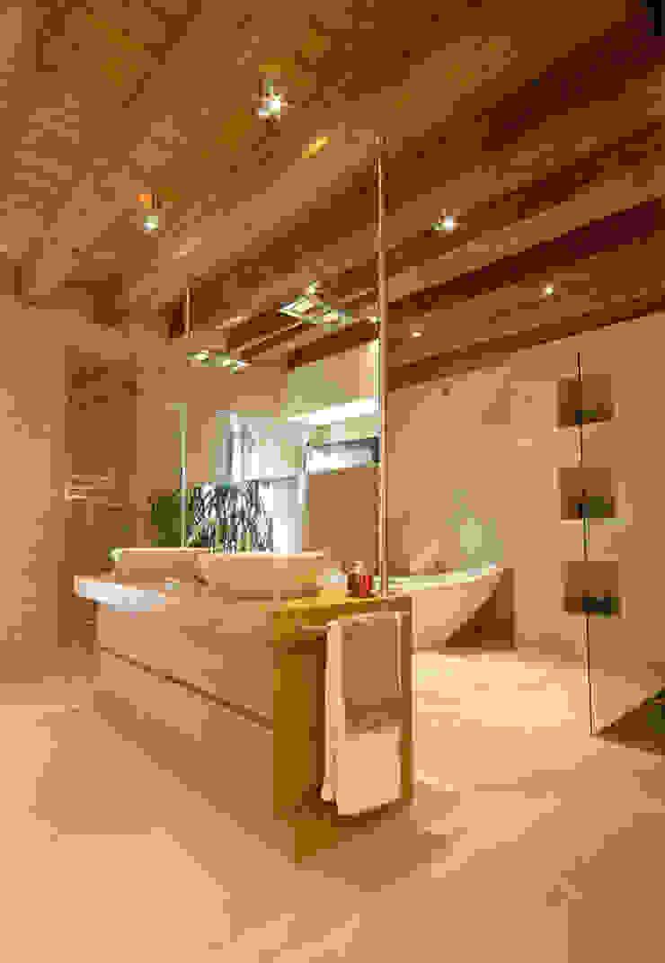 STUDIO CERON & CERON Modern bathroom