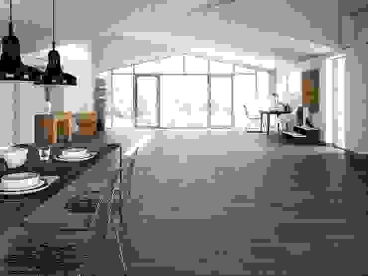 Tavola Porcelánico imitación a madera Paredes y suelos de estilo industrial de INTERAZULEJO Industrial