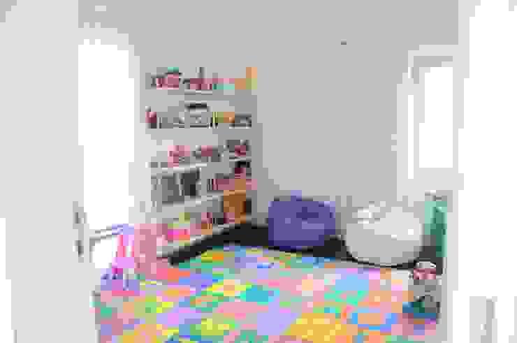 Детская комната в стиле модерн от Renata Amado Arquitetura de Interiores Модерн