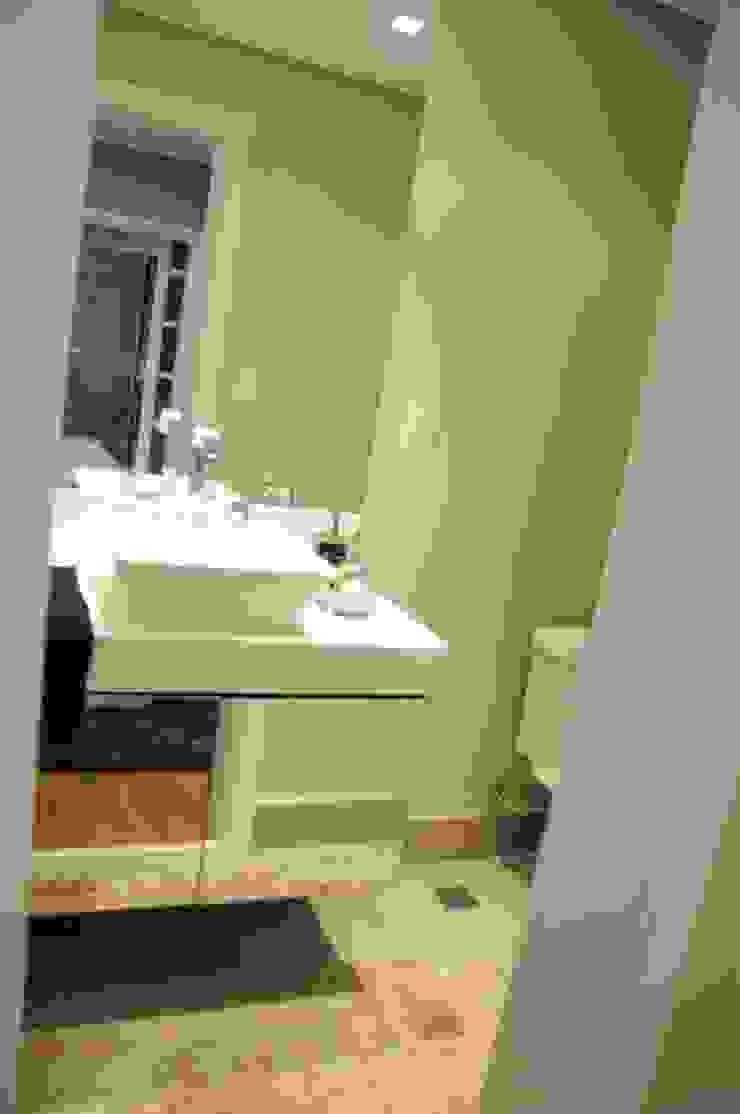 APTO ARAN Banheiros modernos por Renata Amado Arquitetura de Interiores Moderno