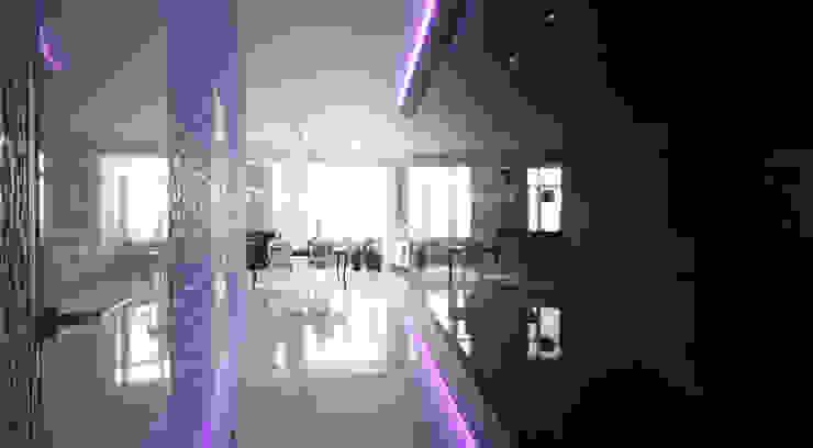 Холл Коридор, прихожая и лестница в эклектичном стиле от Студия Максима Рубцова. Эклектичный