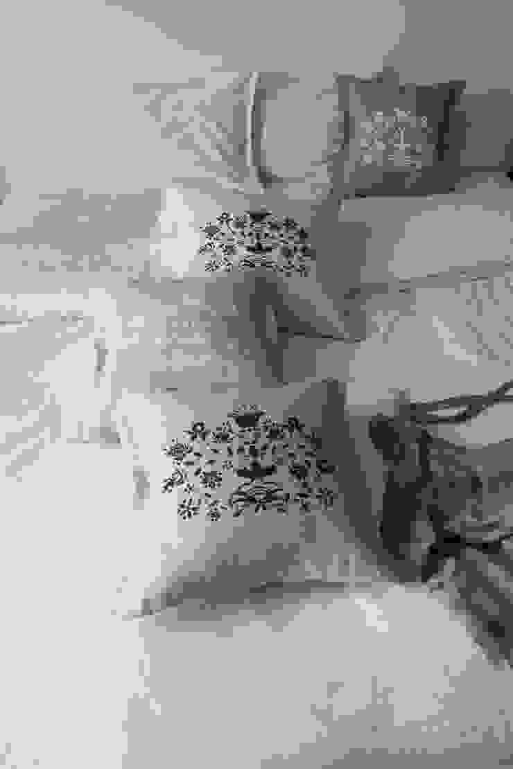 poduszki ze wzorem kaszubskim od MAQUDESIGN Rustykalny