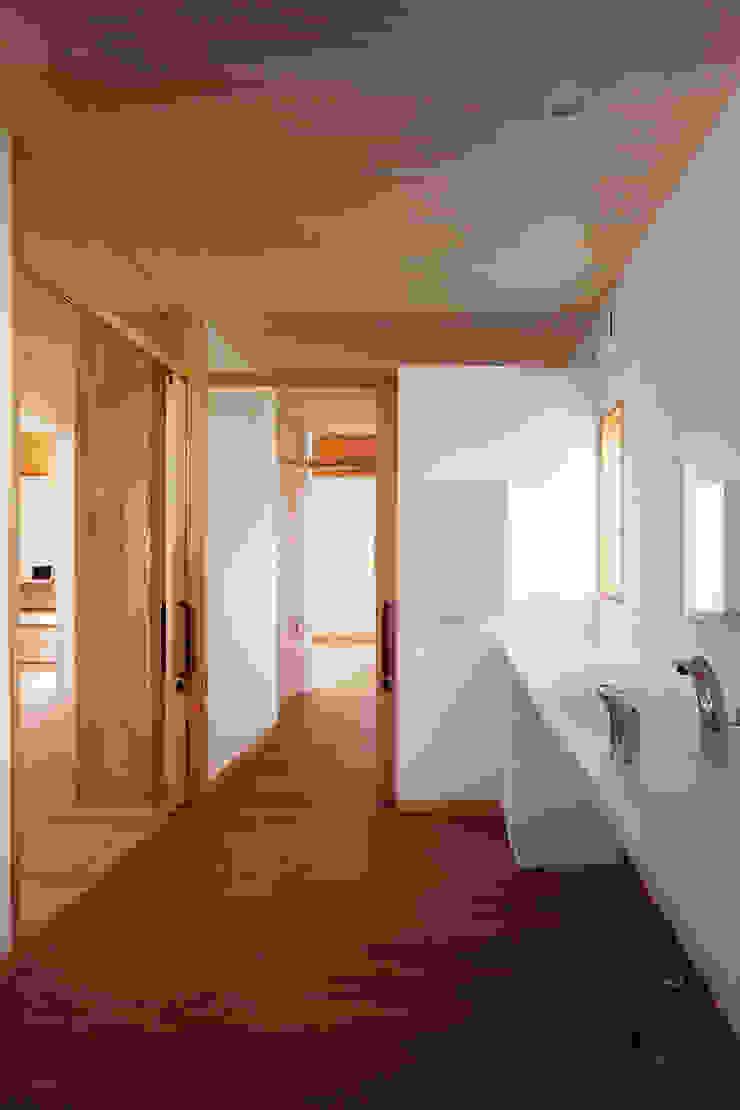 近江八幡の家・洗面 ラスティックスタイルの お風呂・バスルーム の タクタク/クニヤス建築設計 ラスティック
