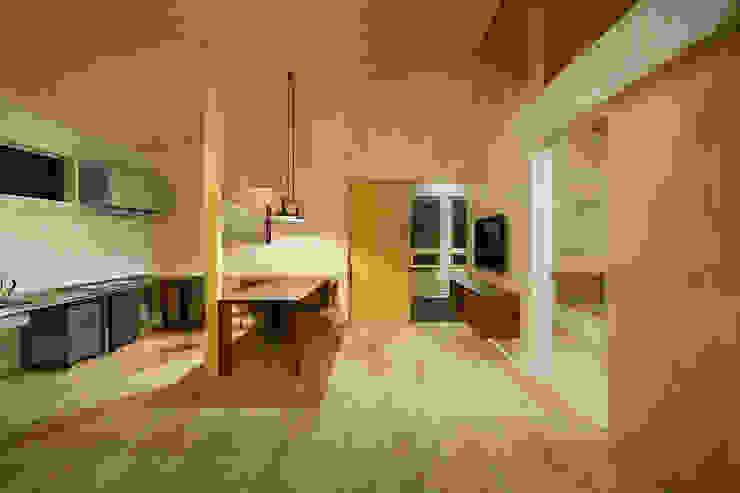 タクタク/クニヤス建築設計 Comedores de estilo moderno