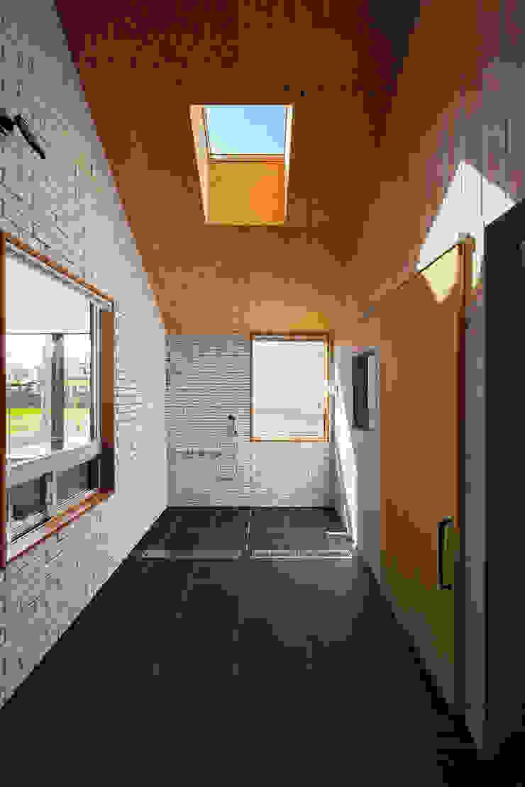 近江八幡の家・インナーテラス ラスティックスタイルの お風呂・バスルーム の タクタク/クニヤス建築設計 ラスティック