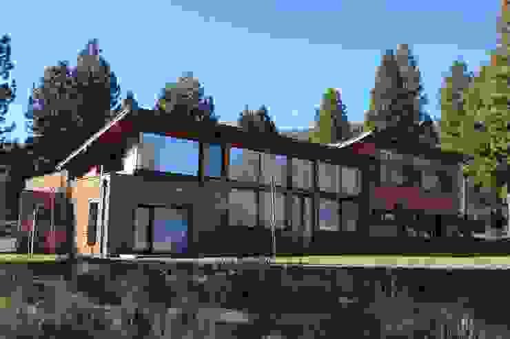 Casa Chapelco Golf - Patagonia Argentina Casas modernas: Ideas, imágenes y decoración de Aguirre Arquitectura Patagonica Moderno