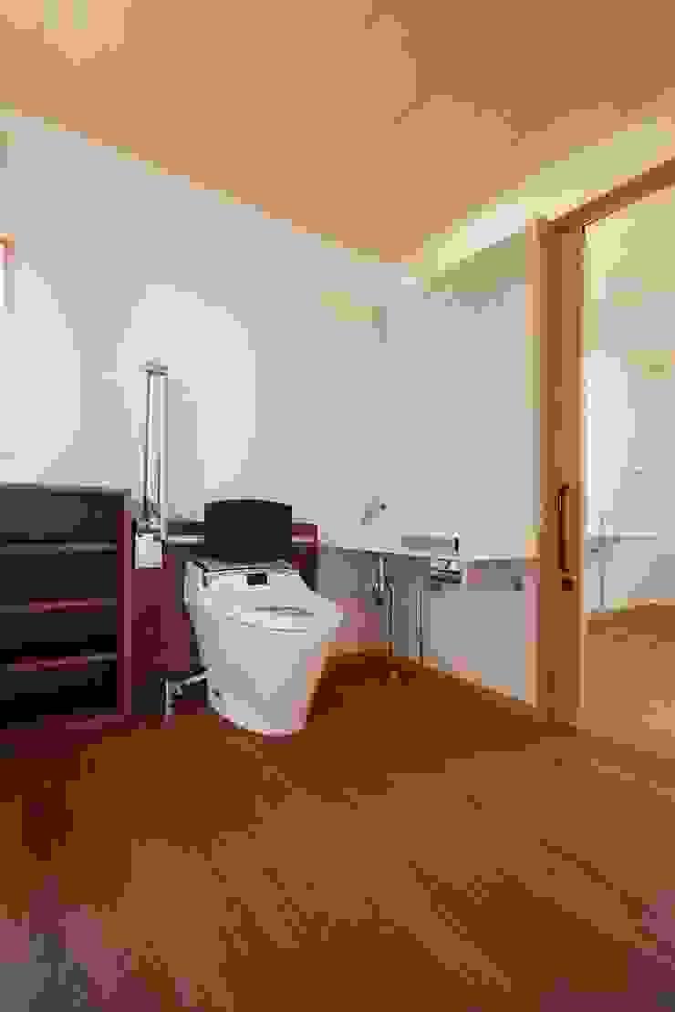 近江八幡の家・トイレ オリジナルスタイルの お風呂 の タクタク/クニヤス建築設計 オリジナル