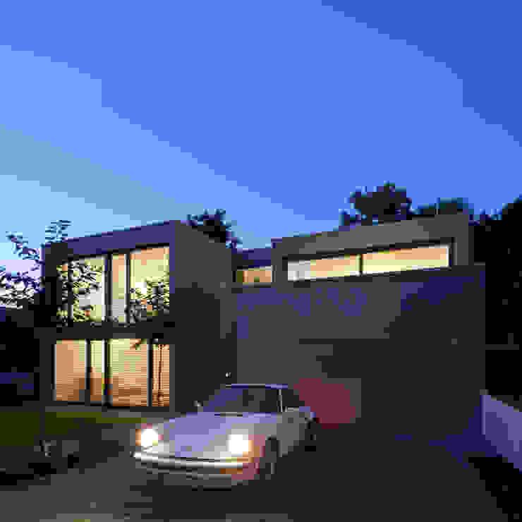 Projekty,  Domy zaprojektowane przez Architekturbüro Dongus , Nowoczesny
