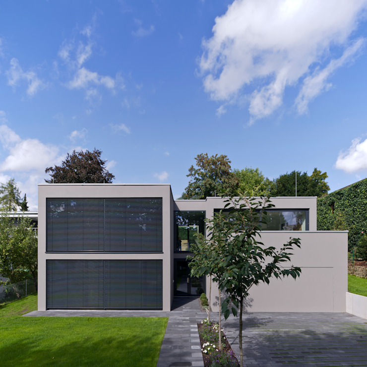 Architekturbüro Dongus Casas de estilo moderno