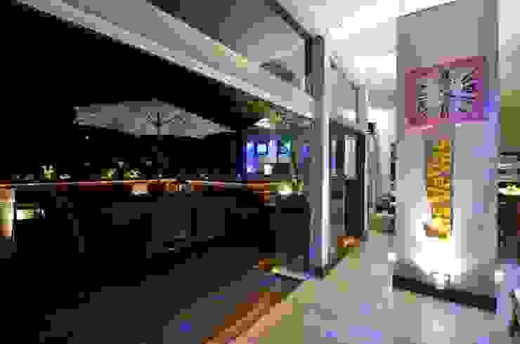 Balcon, Veranda & Terrasse modernes par Paulinho Peres Group Moderne