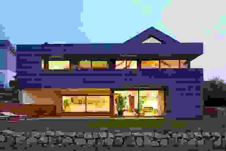 Einfamilienhaus markant reduziert Moderne Häuser von PAPTISTELLA architekten gmbh Modern