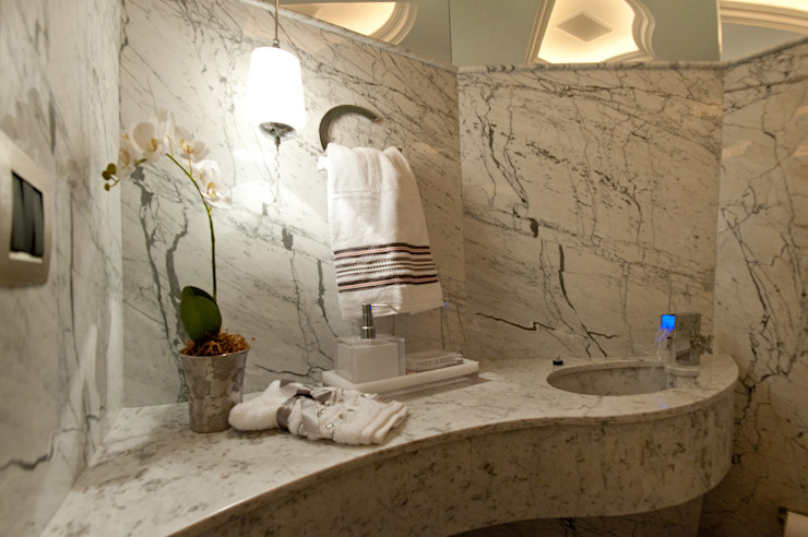 Classic style bathroom by Paulinho Peres Group Classic