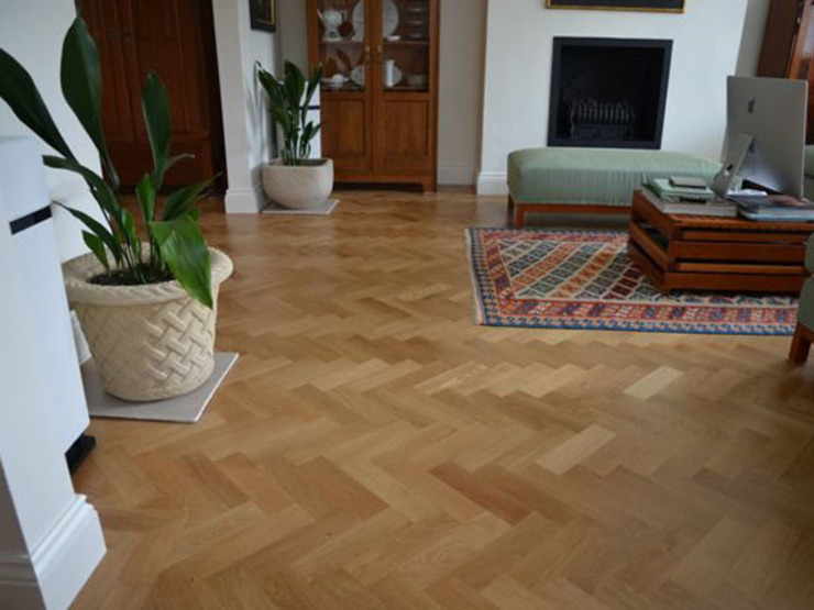 Classic Herring bone Parquet flooring Classic style living room by Luxury Wood Flooring Ltd Classic