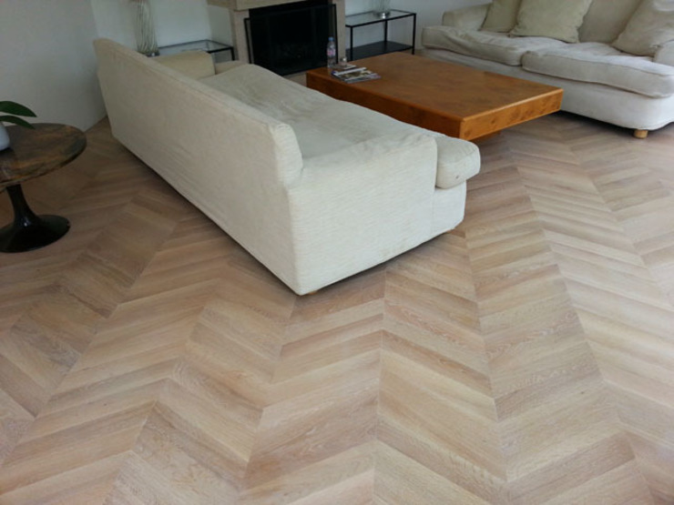 Oak Chevron Parquet Flooring Modern living room by Artistico UK Ltd Modern