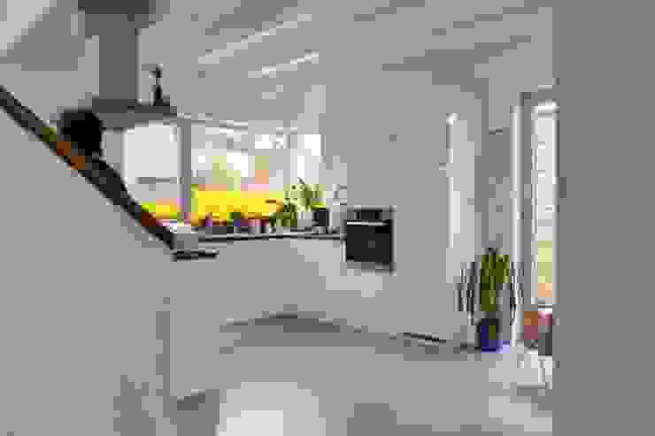 Küche Moderne Küchen von arieltecture Gesellschaft von Architekten mbH BDA Modern