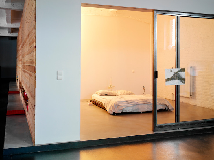 OCEAN_SHSH Minimalist bedroom by SHSH Architecture + Scenography Minimalist