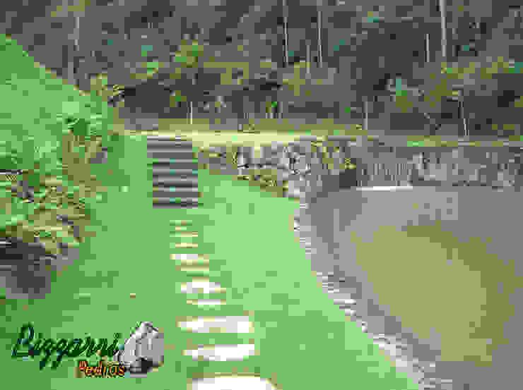 Muro de pedra para lago Jardins rústicos por Bizzarri Pedras Rústico
