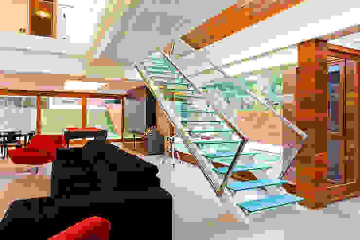 Pasillos y recibidores de estilo  por 4D Arquitetura, Moderno