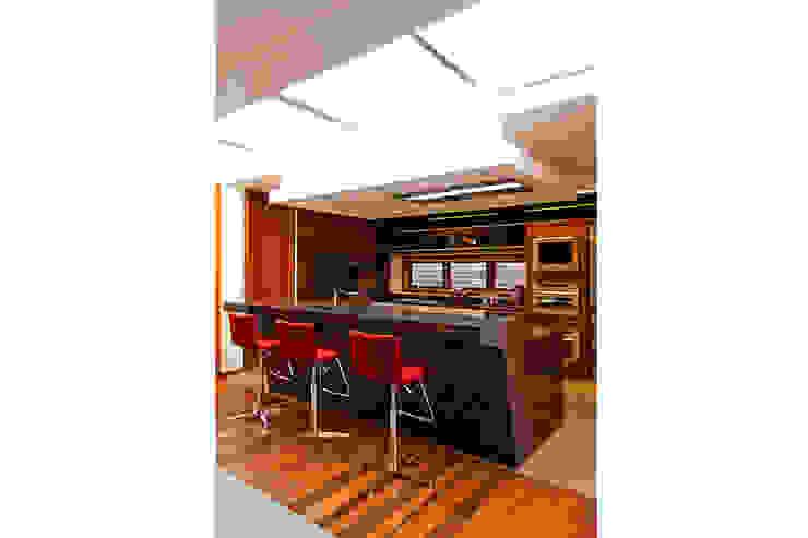CASA HAACK Cozinhas modernas por 4D Arquitetura Moderno