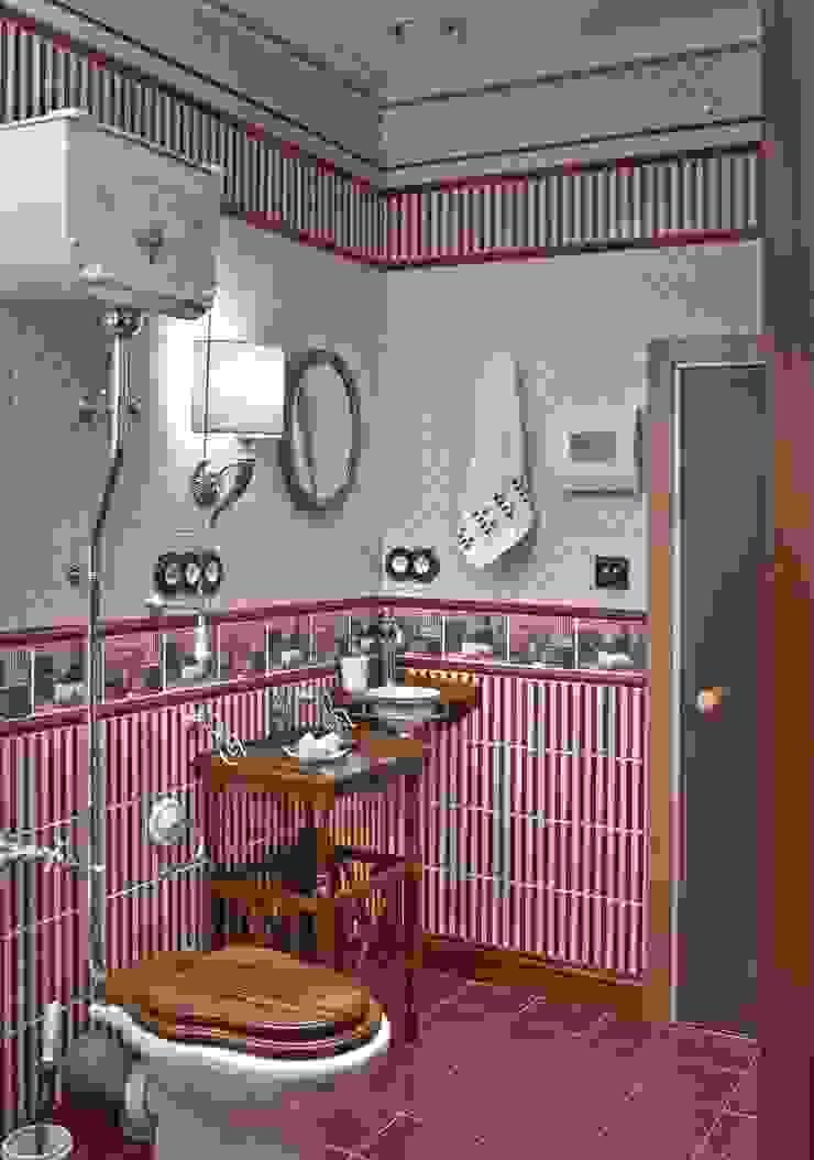 Классическая двухуровневая квартира на Крестовском острове. Ванная в классическом стиле от KRAUKLIT VALERII Классический