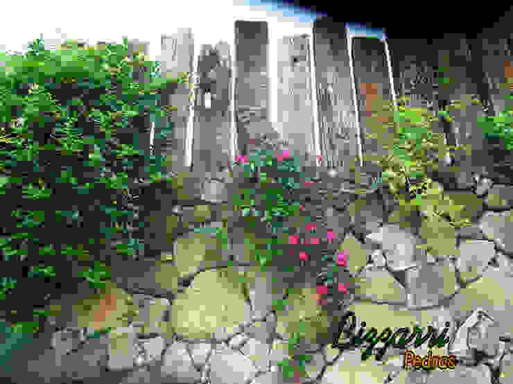 Piscinas de estilo rústico de Bizzarri Pedras Rústico