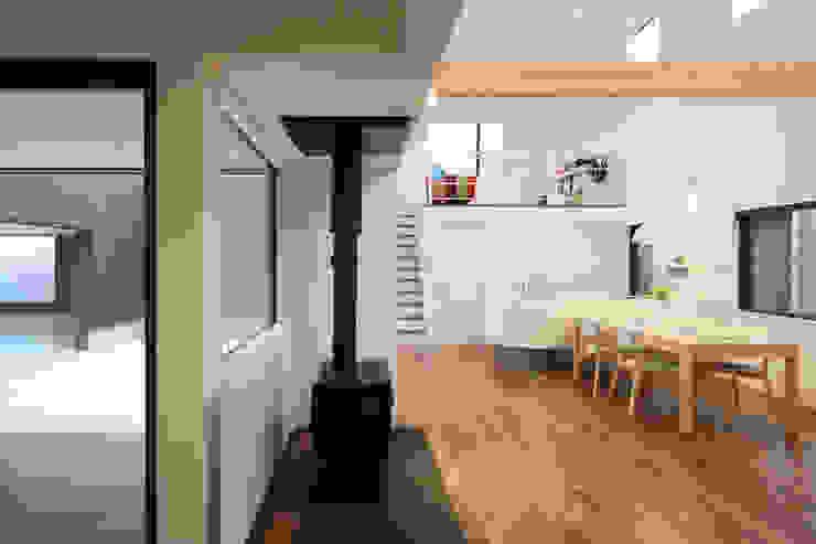 House in Fukuchiyama ミニマルデザインの ダイニング の arakawa Architects & Associates ミニマル
