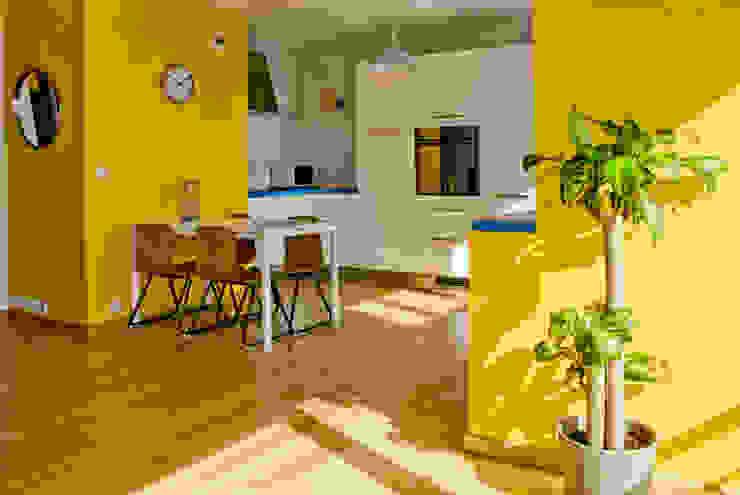 Couleur et lumière Cuisine moderne par Carole Montias-Studio Moderne