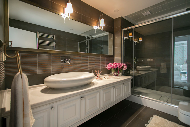Classic style bathrooms by PS MİMARLIK Classic