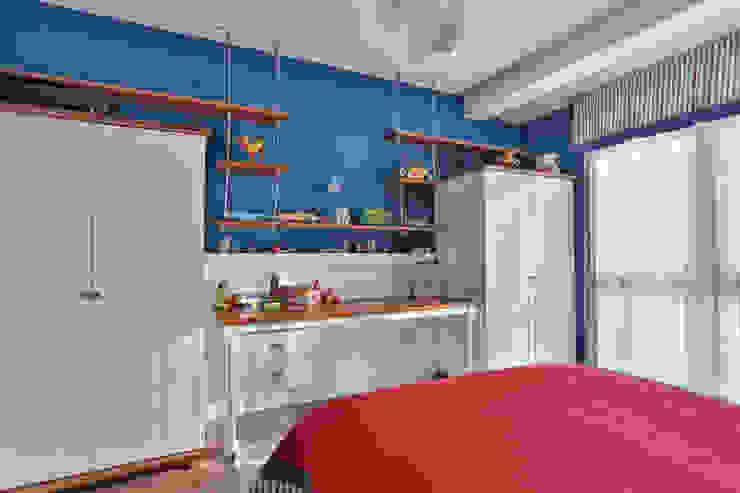 Chambre d'enfant classique par PS MİMARLIK Classique