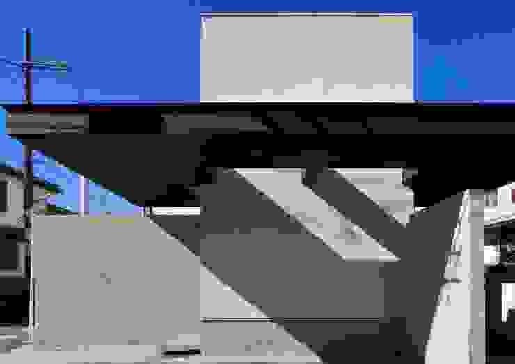 八幡山の住宅 モダンな 家 の 井上洋介建築研究所 モダン