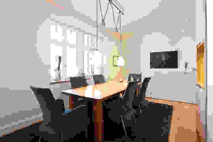 Sanierung Wohngebäude Klassische Esszimmer von xs-architekten Klassisch