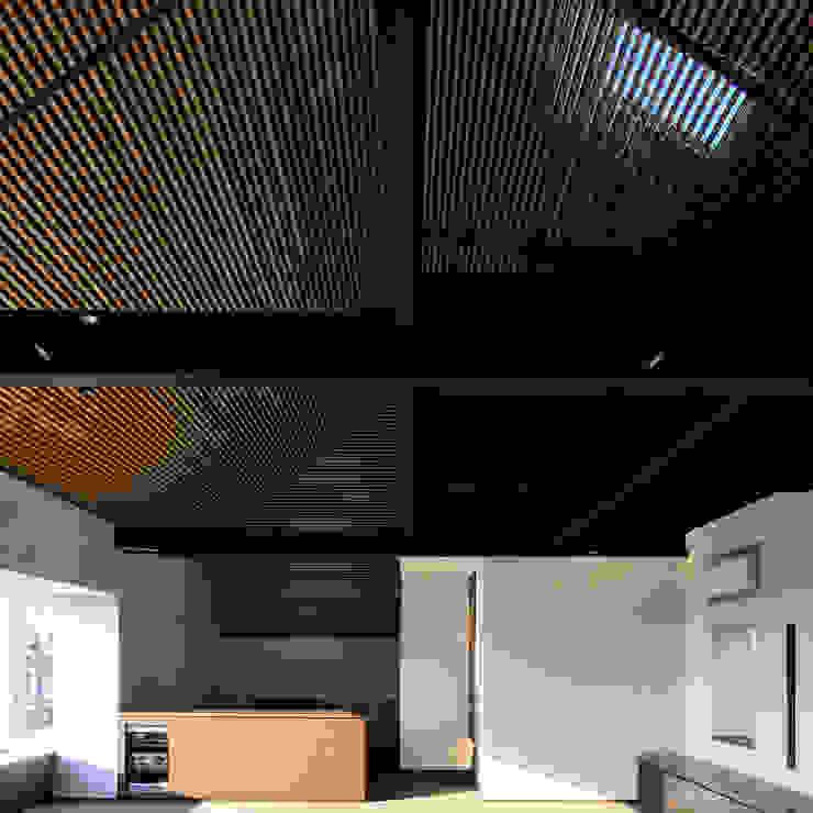 上野毛の住宅 renovation モダンデザインの リビング の 井上洋介建築研究所 モダン
