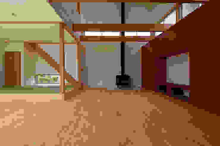 一宮の家 オリジナルデザインの リビング の 一級建築士事務所 渡辺泰敏建築設計事務所 オリジナル