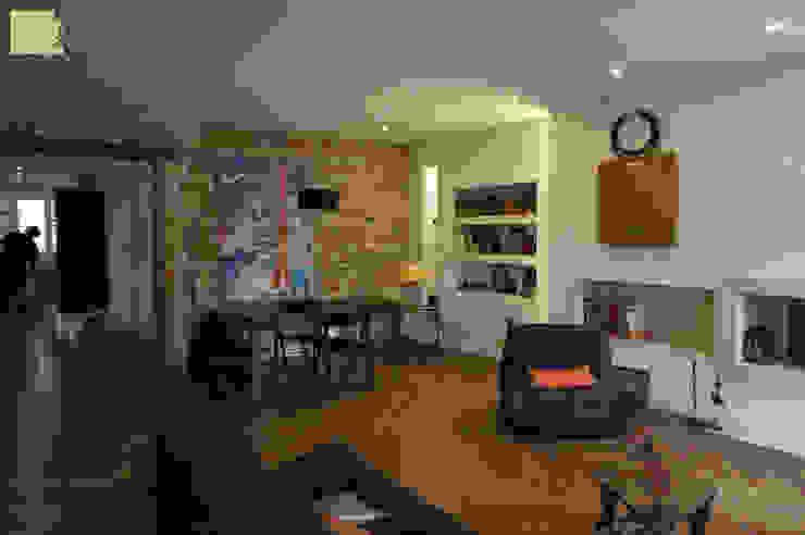 Rénovation appartement A. Lyon (6ème) Salon moderne par Marion Bochirol Architecte d'Intérieur CFAI Moderne