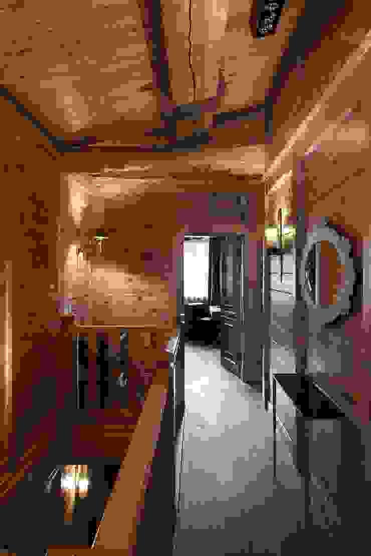 Rustic style corridor, hallway & stairs by Архитектор Татьяна Стащук Rustic