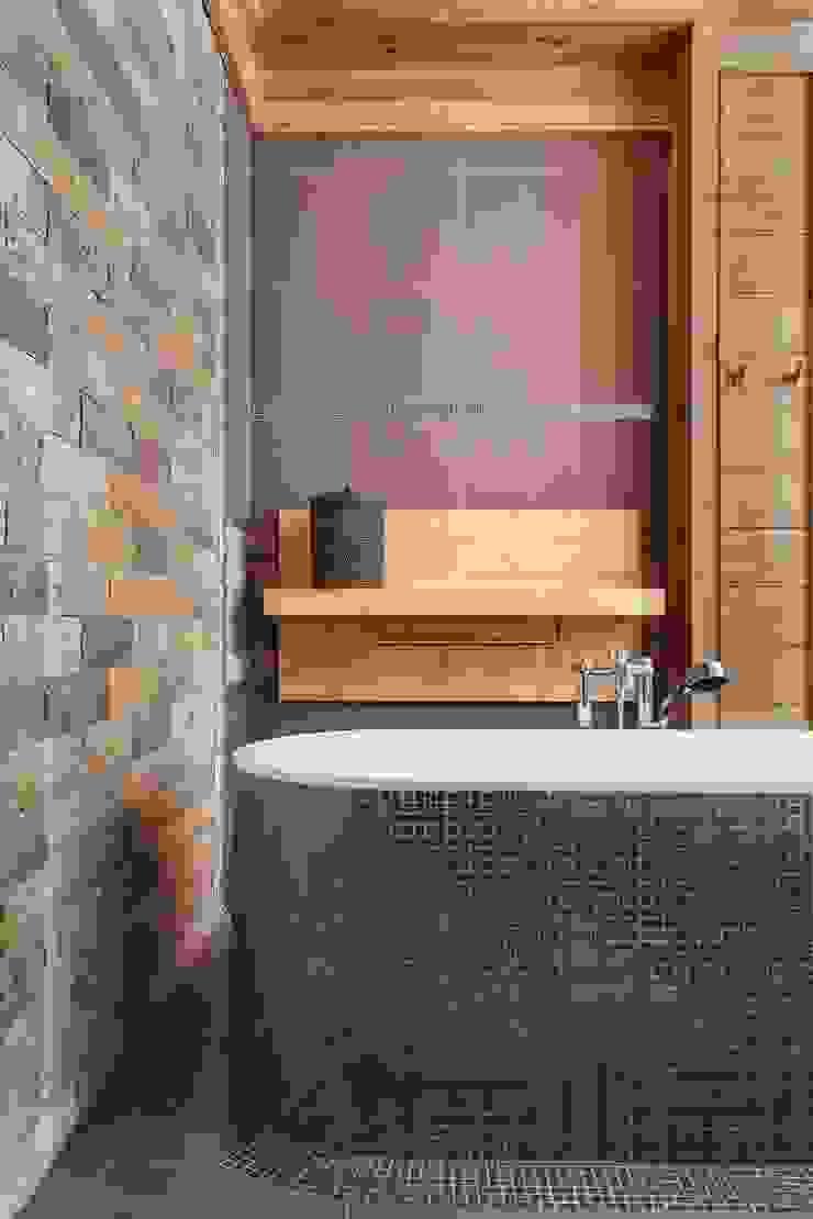 Rustic style bathroom by Архитектор Татьяна Стащук Rustic
