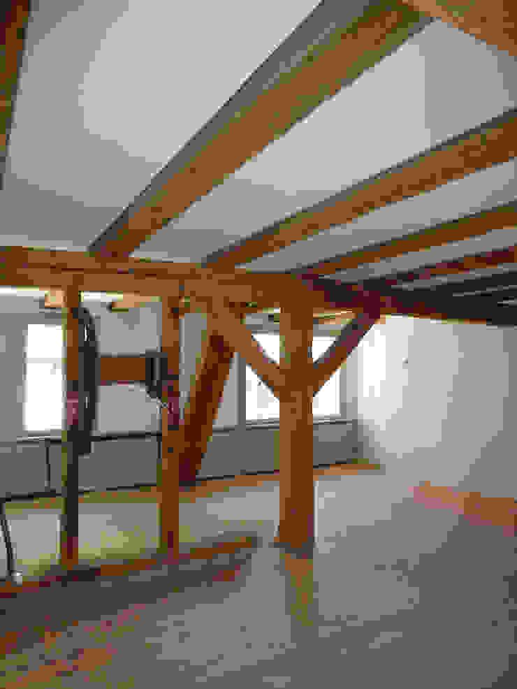 Treppenhaus Minimalistischer Flur, Diele & Treppenhaus von cappellerarchitekten Minimalistisch