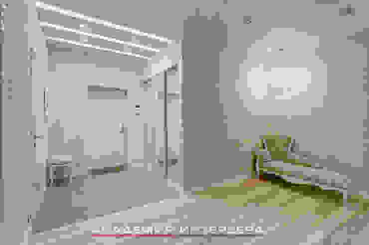ЖК <q>Берег</q> (квартира площадью 114,5 кв. м.) Коридор, прихожая и лестница в стиле минимализм от Светлана ковальчук Дизайн студия 'Академия Интерьера' Минимализм