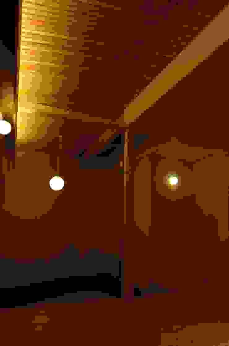 玉村の家 モダンデザインの リビング の 凪工房 モダン