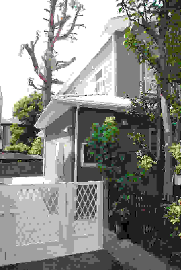 早稲田のシェアハウス 北欧風 家 の 奥村召司+空間設計社 北欧