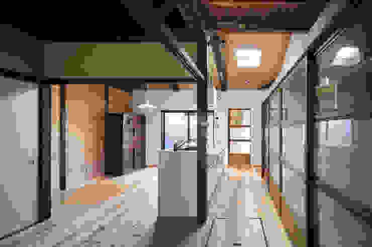 Moderne Esszimmer von 長崎工作室 Modern