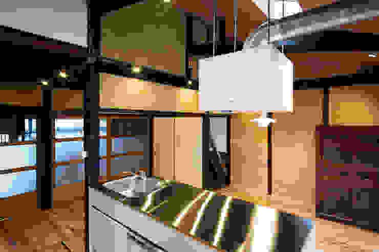 Moderne Küchen von 長崎工作室 Modern