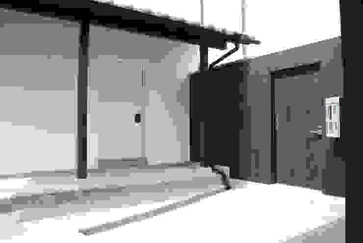 M邸 モダンな庭 の 長崎工作室 モダン