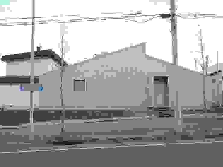 向ヶ丘通りの家 House in mukogaokadori モダンな 家 の 一級建築士事務所 アーカイヴ モダン