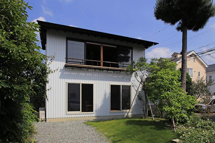Maisons originales par 早田雄次郎建築設計事務所/Yujiro Hayata Architect & Associates Éclectique Fer / Acier