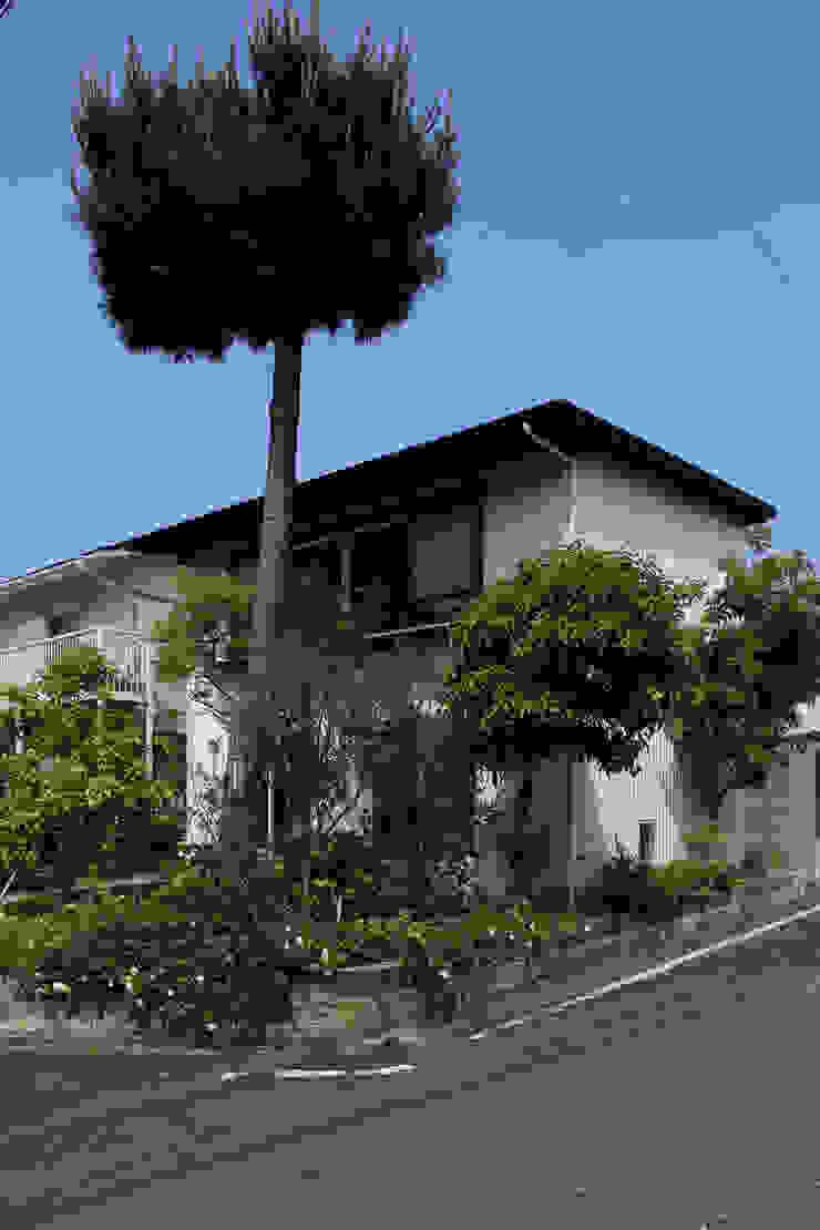 Ausgefallene Häuser von 早田雄次郎建築設計事務所/Yujiro Hayata Architect & Associates Ausgefallen Eisen/Stahl