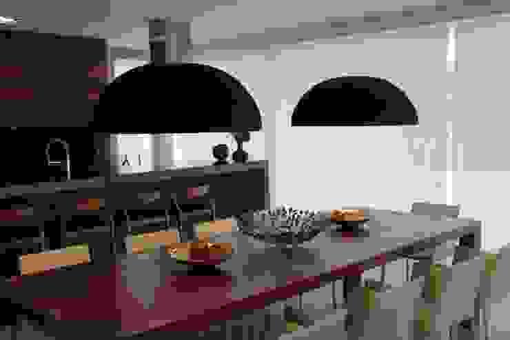 Casa Ilha das Flores Salas de jantar modernas por Arq. Leonardo Silva Moderno