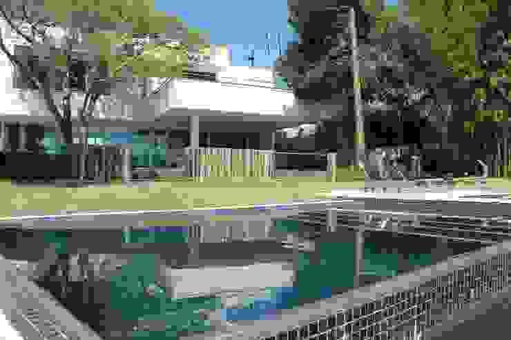 Casa Ilha das Flores Casas modernas por Arq. Leonardo Silva Moderno