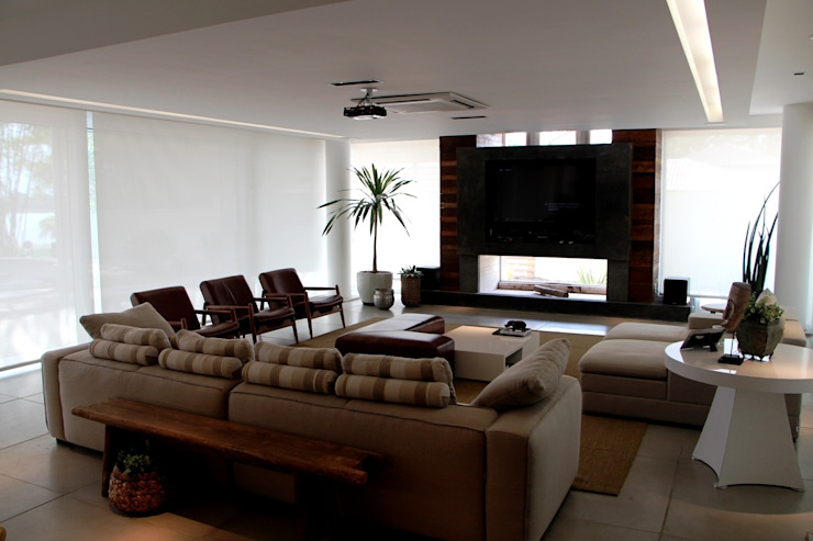 Casa Ilha das Flores Salas de estar modernas por Arq. Leonardo Silva Moderno